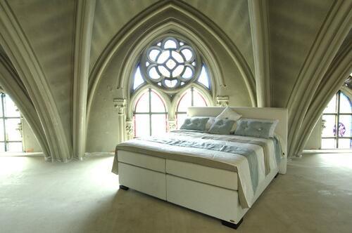 Бивши затвори и църкви се превръщат в луксозни хотели