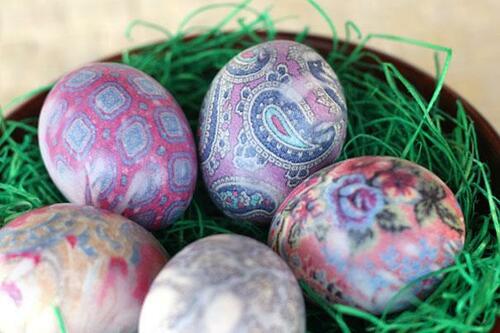 Нетрадиционни техники за боядисване на великденски яйца