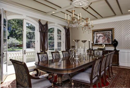 3 идеи, с които да внесете готически полъх у дома