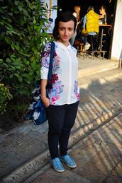 Градска мода от Скопие: Букет от цветя по дрехите