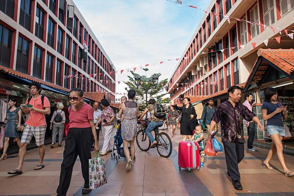 Дигитална разходка сред забързаното ежедневие на Сингапур
