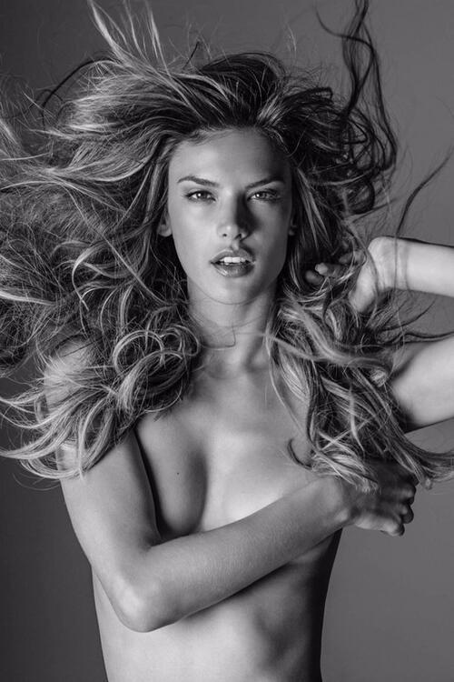 """""""Ангели"""": Книгата на голите супермодели"""