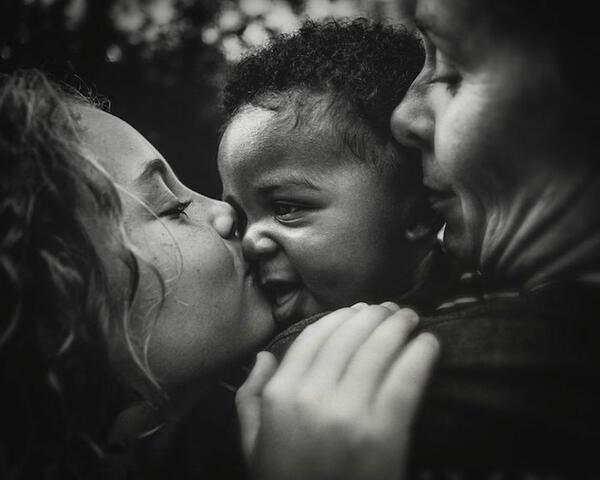 Осиновеното дете е безценен и незаменим подарък!