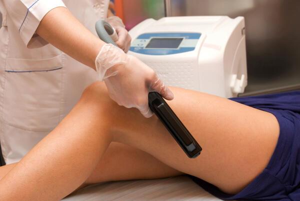 Препоръките на дерматолога: Ефективното решение при косопад и нежелано окосмяване