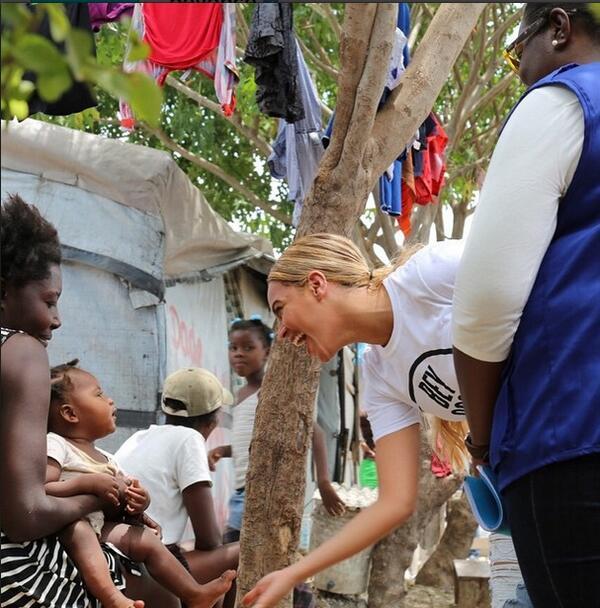 Бионсе с благотворителна мисия в Хаити