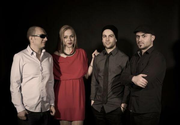 Мелодичният свят на талантливата джаз изпълнителка Маги Алексиева