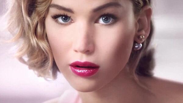 Дженифър Лорънс в изкусителна рекламна кампания на Dior