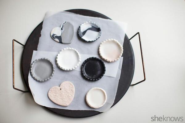 Направете си сами кокетни кутийки за бижута от пластилин