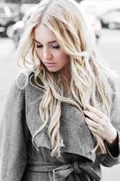 Стилните жени: Топлината на палтото