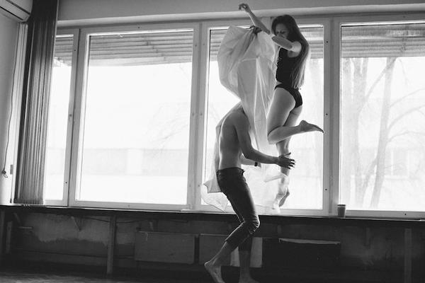 Красив проект разкрива интимните моменти на любов между двама души