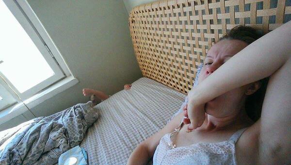 Мама, бебе и селфи стик - история за ежедневието на всяка майка по света!