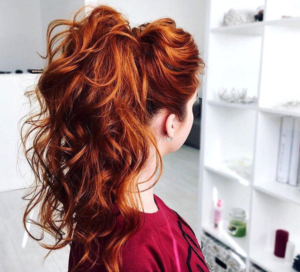 4 лесни прически, които ще ви помогнат да замаскирате мръсната коса