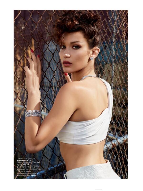 Бела Хадид за първи път на корица на Vogue!