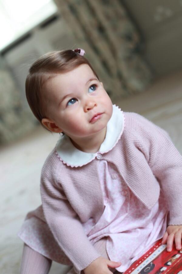 Принцеса Шарлот навърши 1 годинка и е абсолютно очарователна!
