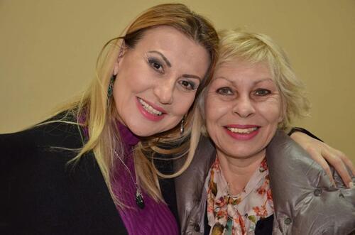 Илиана Раева стана щастлива баба на малката Илиана