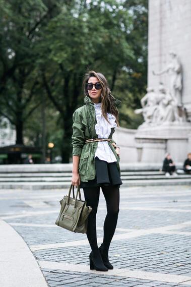 Стилни със зелено яке