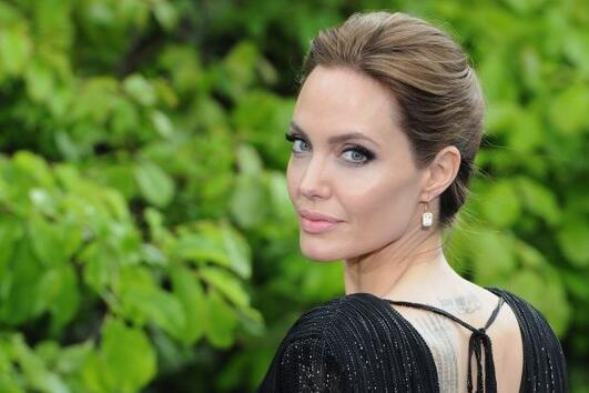 Анджелина Джоли се среща с Джони Деп?