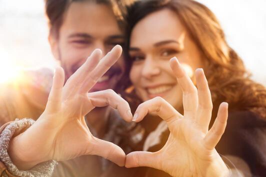Какво търсим в любовта според това на колко години сме