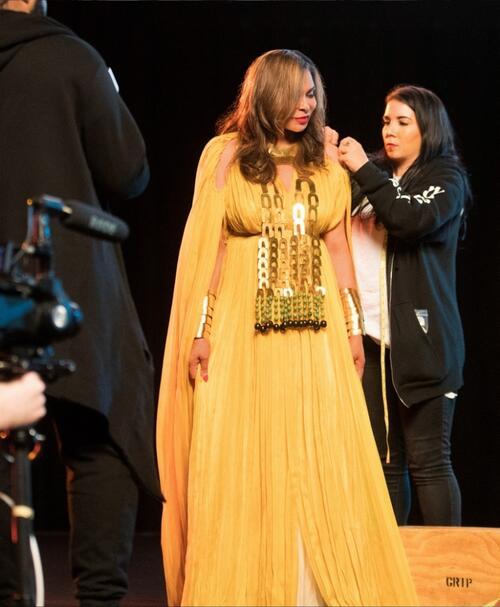 """Бионсе сподели очарователни снимки от наградите """"Грами"""""""