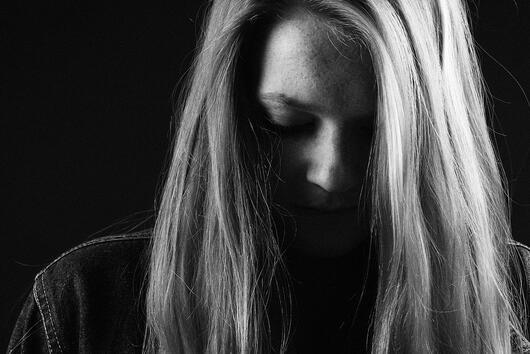 Защо косата пада след бременността?