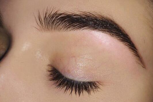 Как да не ни боли, когато скубем веждите си