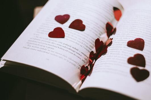 В световния ден на поезията ви подаряваме стихове, които ще излекуват душата ви!