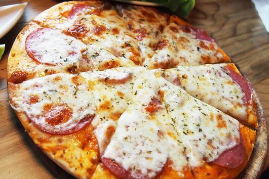 Най-добрата рецепта за пица с 4 сирена