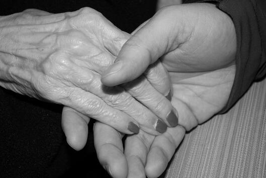 Как се променят ръцете и ноктите на 20, 30 и 40