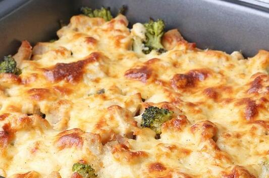 Рецепта за бърза запеканка с броколи и картофи
