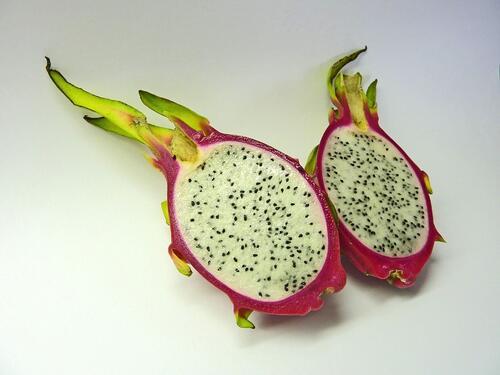 Какво представлява драконовият плод и как да го ядете?