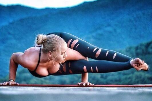 Упражнения, с които да се справите с подуването на корема