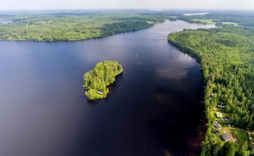 6 причини да посетите езерата във Финландия