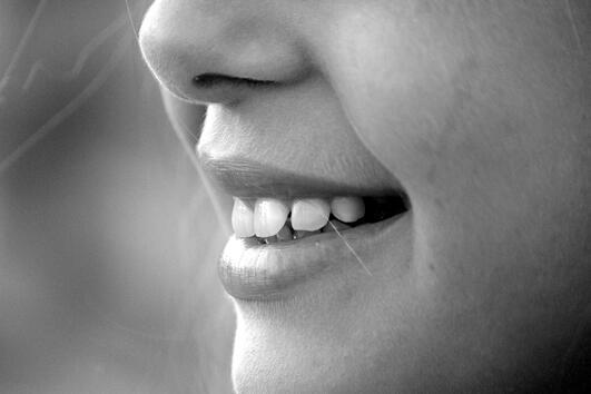Топ 10 на храните, които най-много увреждат зъбите ни