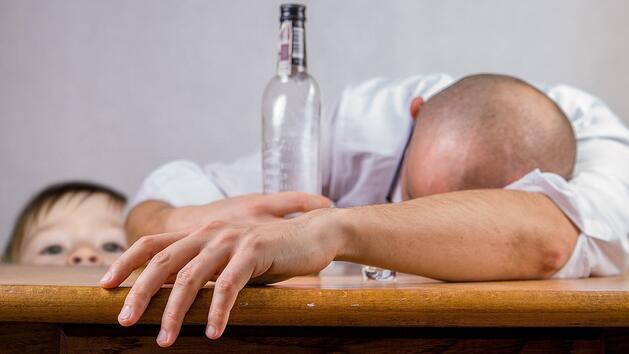 """""""Има време да опиташ алкохол!"""" - посланието на """"Родителски срещи в бар: Малки срещи на големи теми"""""""
