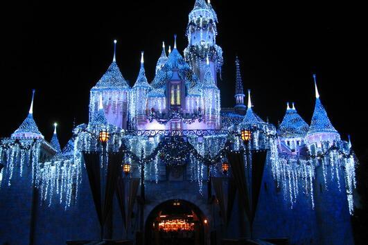 10 причини да посетите Дисниленд през зимата