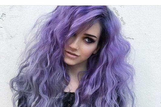 3 съвета как да пригодите виолетовата коса в ежедневието