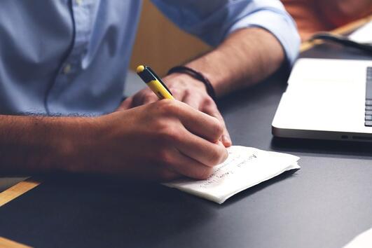 5 ситуации, които всички сме преживели на работа