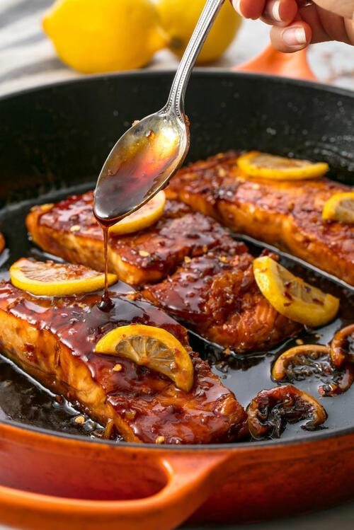 Супер лесни есенни вечери: Сьомга с мед и чесън