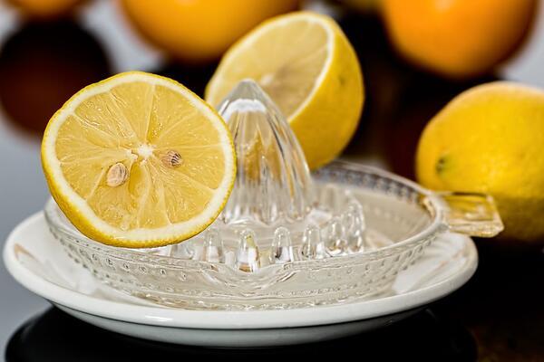 6 натурални съставки, които НИКОГА не бива да поставяте на лицето си