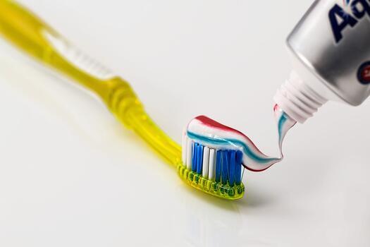 Ефективна ли е пастата за зъби в борбата с пъпките?