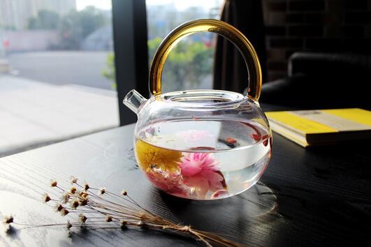 Пийте тези чайове, за да избегнете подуването на корема