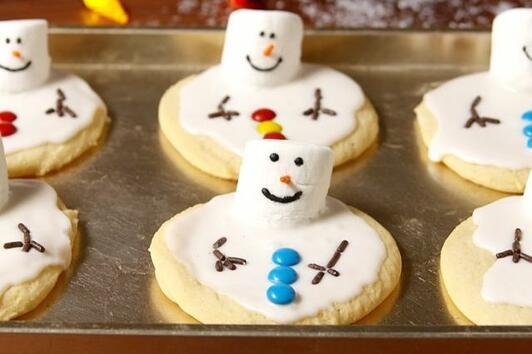 Коледни десерти: Разтопен снежен човек (ВИДЕО)