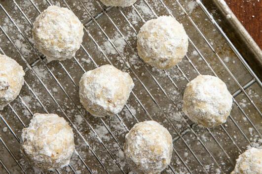 Коледни десерти: Снежни топки