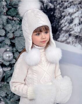 Това не е ли най-сладкото момиченце на света?