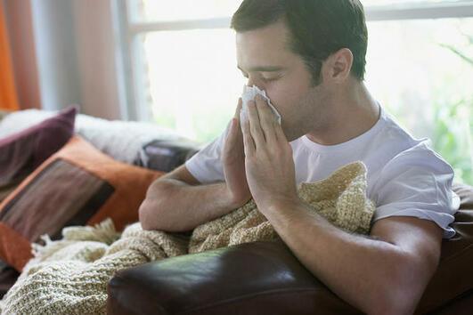 Ето защо мъжете са толкова досадни, когато се разболеят