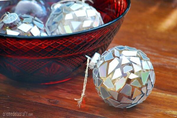 Няколко идеи за много креативни коледни топки, които можете да си направите сами