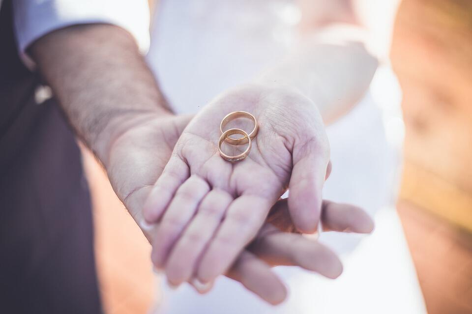 Първата година на брака е малко противоречие. Широко известно като