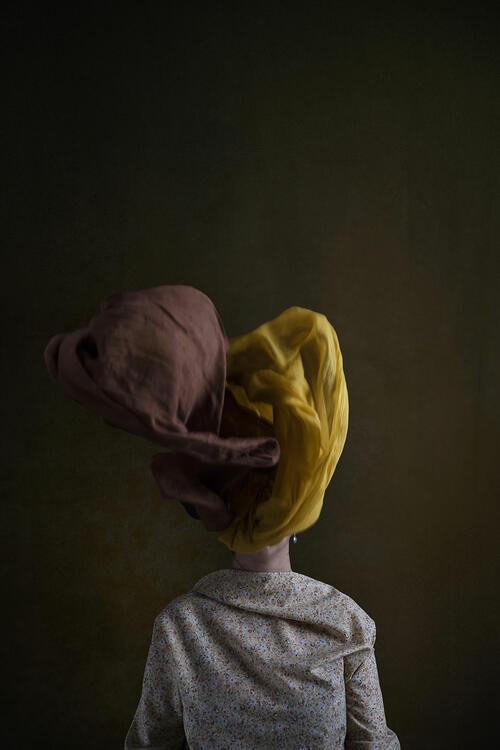 Смели ирански жени се противопоставят на задължителното носене на хиджаб