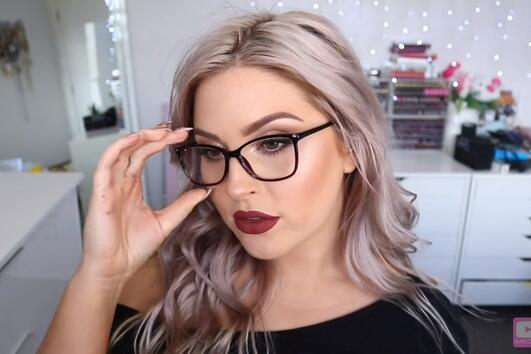 Перфектният грим за дамите, които носят очила