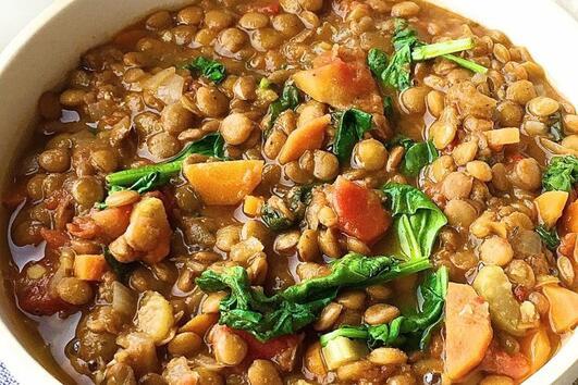 Лесна супа със спанак и леща